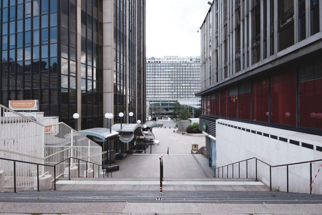 Paris : les avantages de la location de bureau