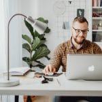 Community manager freelance : comment débuter ?